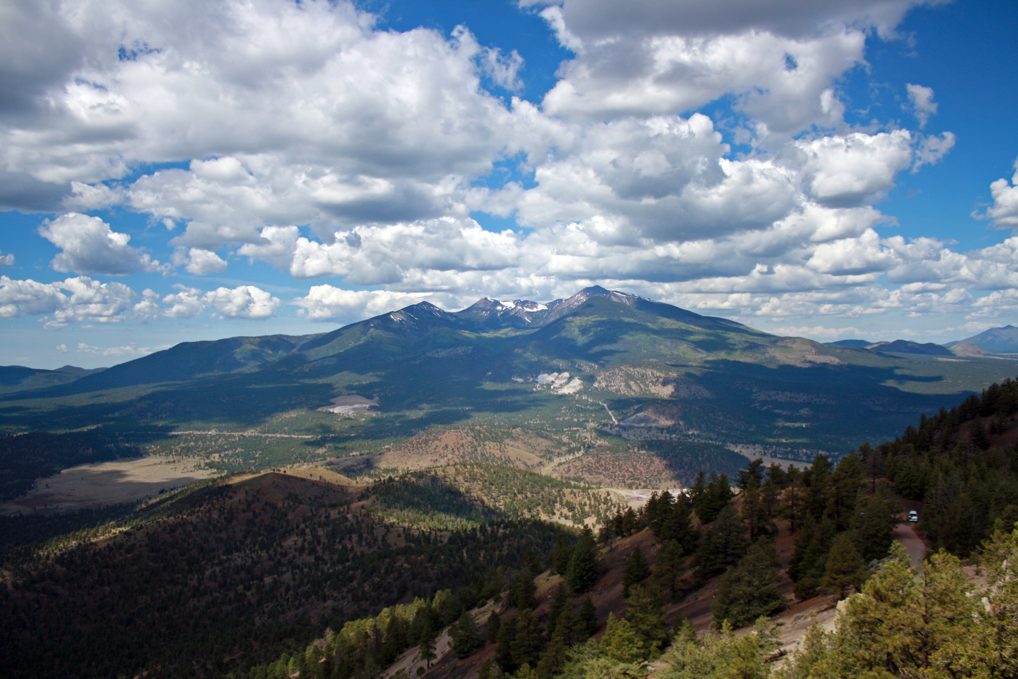 3-livinghere-flagstaff-the_peaks_from_oleary_lookout-l4r